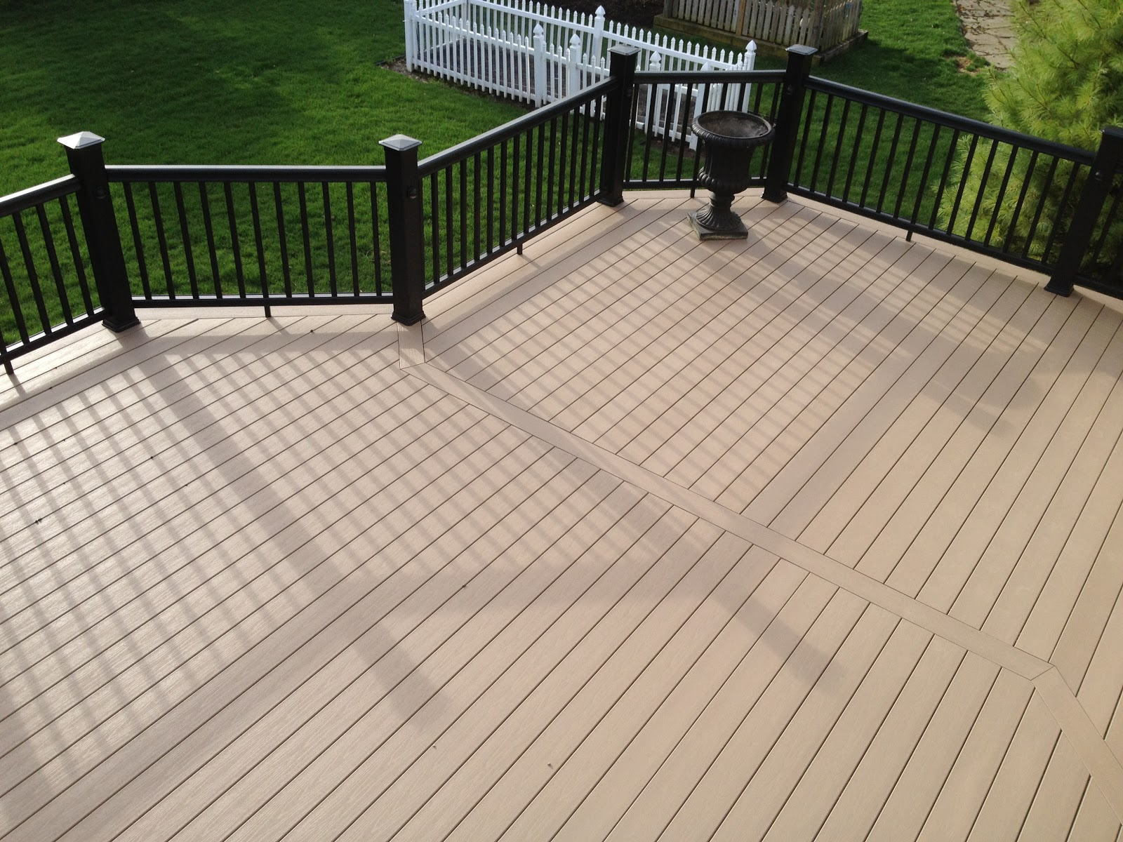 Composite Outdoor Decking