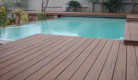 deck around a round above ground pool